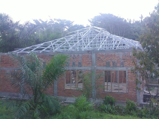 Pemasangan Atap Masjid Karrosa