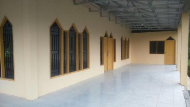Tampak Samping Masjid Pasang Kayu, Selesai