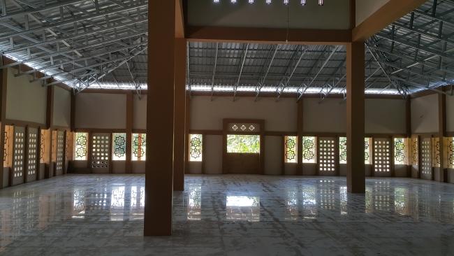 Ruangan Dalam Masjid Ali bin Humaid Ad-Dir'iy di Pinrang