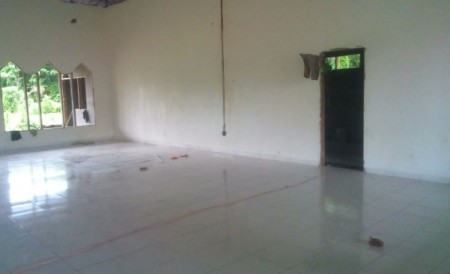 Pemasangan tehel dan flamour dinding, Masjid pasang kayu
